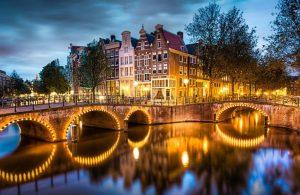 Amsterdam local guide, Private tours and Personal Experience in Amsterdam