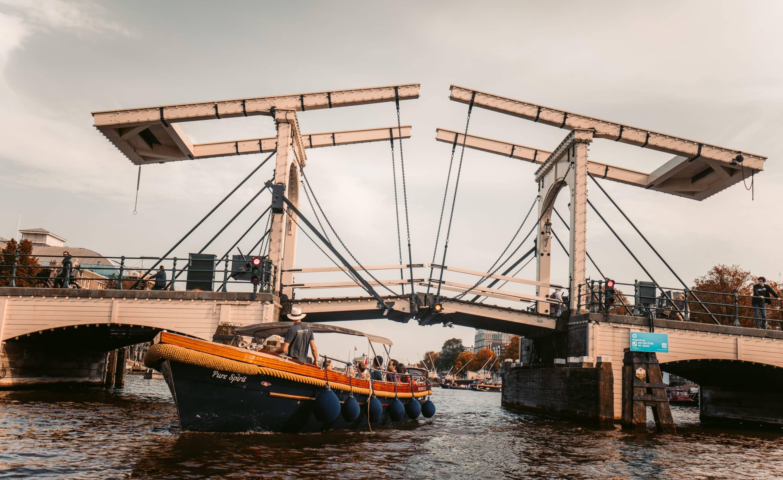 Private Canal Cruise Amsterdam drawbridge