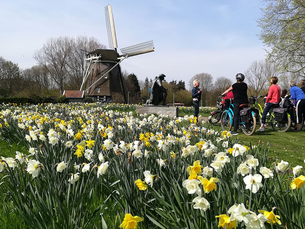 Cycling to the countryside of Amsterdam